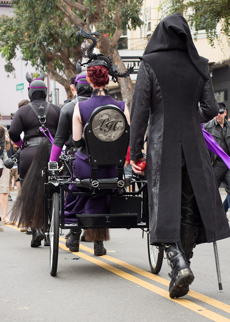 Liliane Hunt and her beautiful pony cart at Folsom 2014
