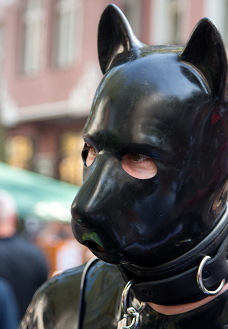 Latex puppy at Folsom Europe 2016
